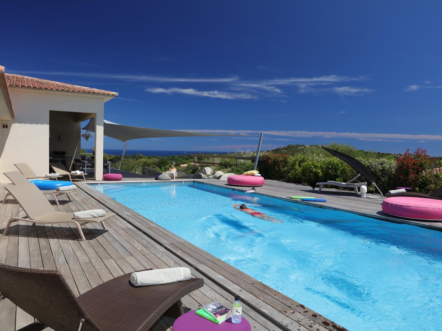 Belle villa avec piscine priv e chauff e vue mer sainte - Location maison piscine porto vecchio ...
