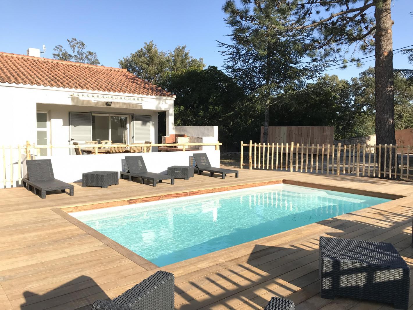Villa lecci piscine priv e chauff e plage saint cyprien - Location maison piscine porto vecchio ...