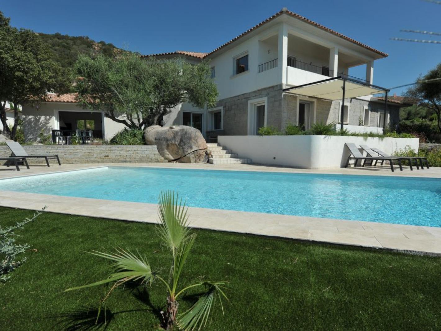 Superbe villa vue mer piscine chauff e 6 chambres porto - Location maison piscine porto vecchio ...